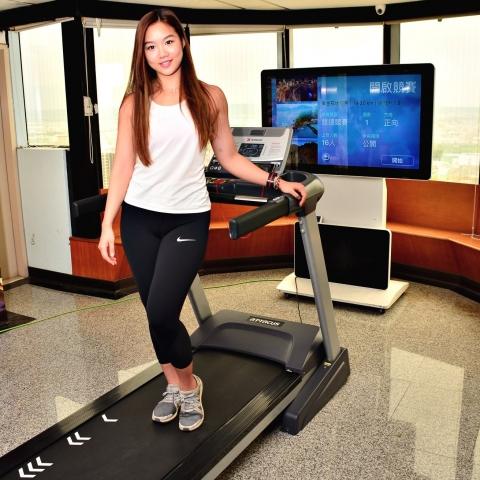 小薇 Olivia-超強健身運動甜心之雲跑頂上對決